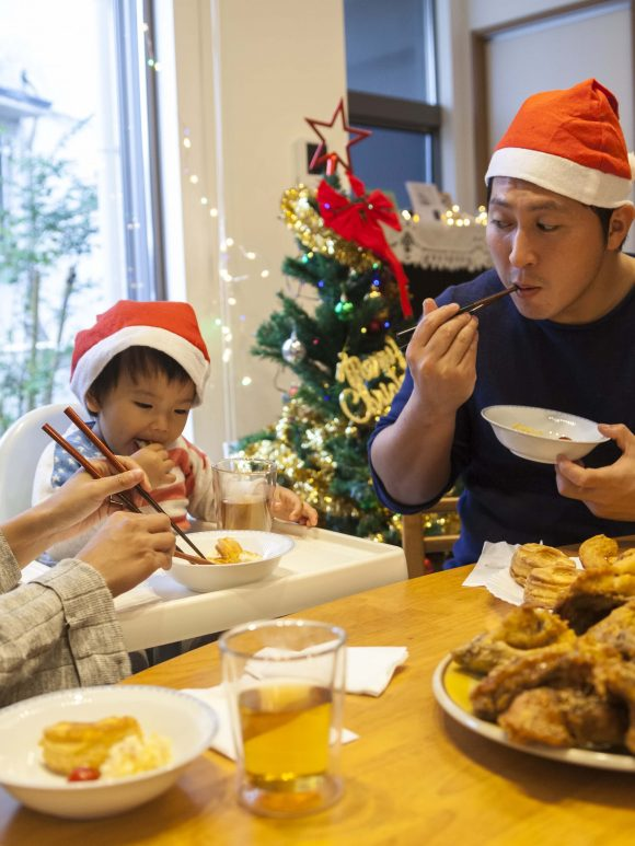 December 2020 – Christmas Traditions Celebrated Around the World
